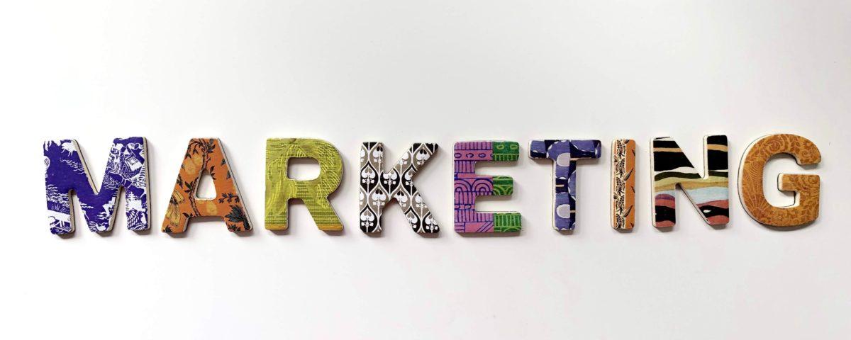 Perbedaan Strategi Pemasaran Online dan Offline