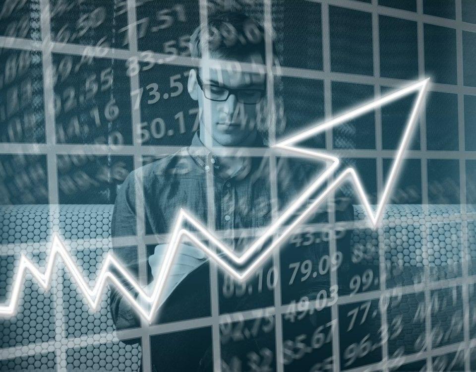 Perbedaan e Commerce Dan e Bisnis