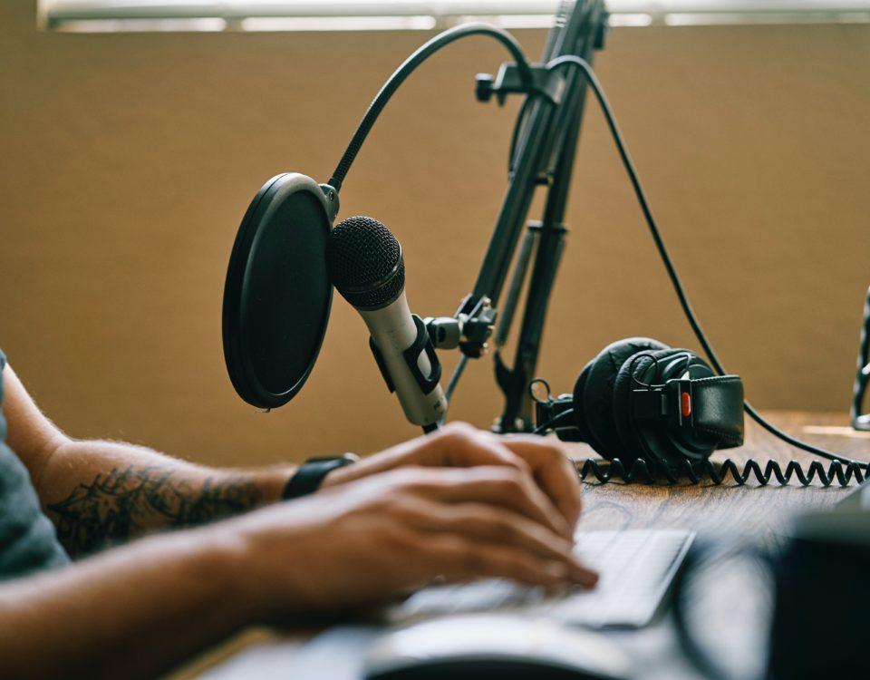 5 Cara Membuat Podcast Menarik